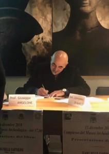 """Luigi Di Benedetto: immagini di un """"Papiromane"""""""