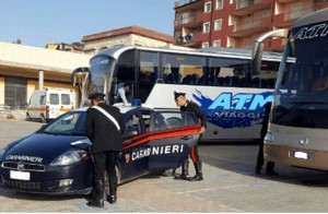 Gita scolastica: pullman bloccato dai Carabinieri.
