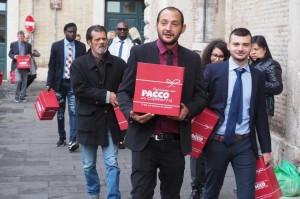 """La Strada Cooperativa Sociale a Teano: """"Facciamo un pacco alla camorra""""."""